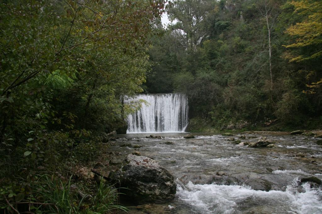 Cascade sur le cours d'eau de la Vernaison