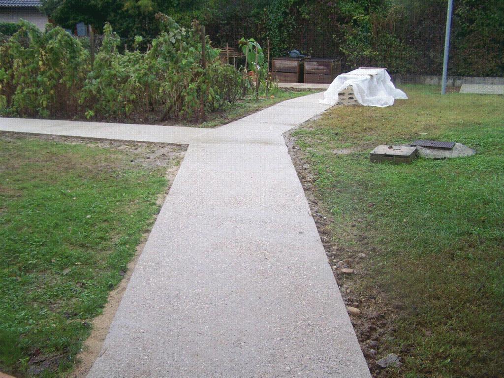 Allée de jardin pour handicapées