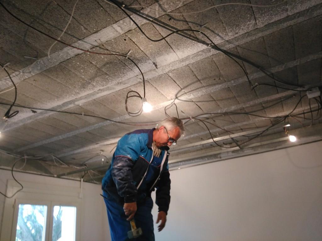 Suspente pour plafond suspendu