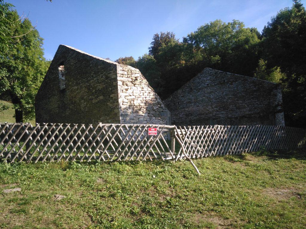"""Ruine d'habitation """"La Goulandière"""" sécurisée"""